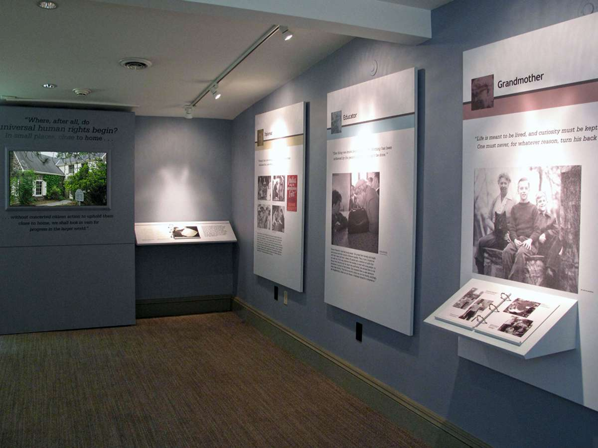 ELROPlayHsRt : Color icons link the key themes of Eleanor Roosevelt's life work through varied exhibit spaces